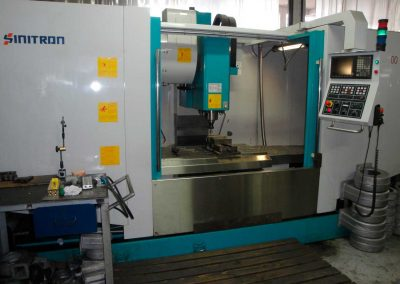 Centro de Usinagem CNC - 03 Eixos